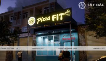 Phối cảnh buổi tối biển quảng cáo hiệu bánh Pizza Fit