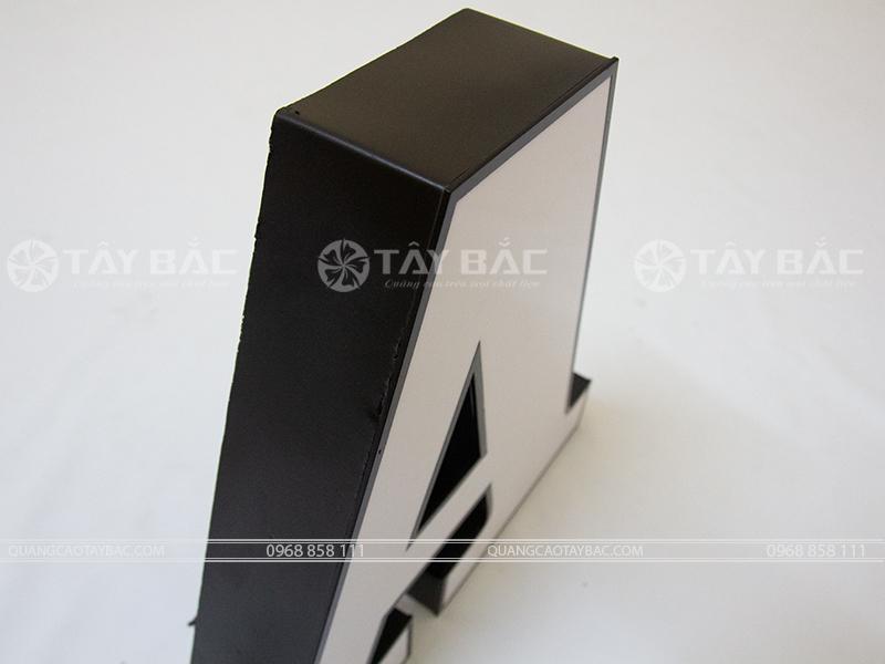 Góc nghiêng mặt Chữ Mica, Chân viền Formex sơn 2k, Hậu Formex