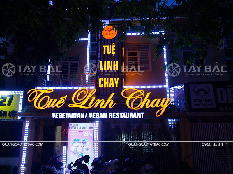 Biển quảng cáo nhà hàng chay Tuệ Linh
