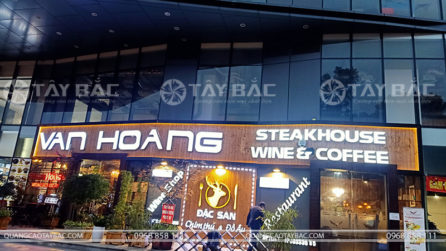 Thi công biển quảng cáo nhà hàng Vân Hoàng