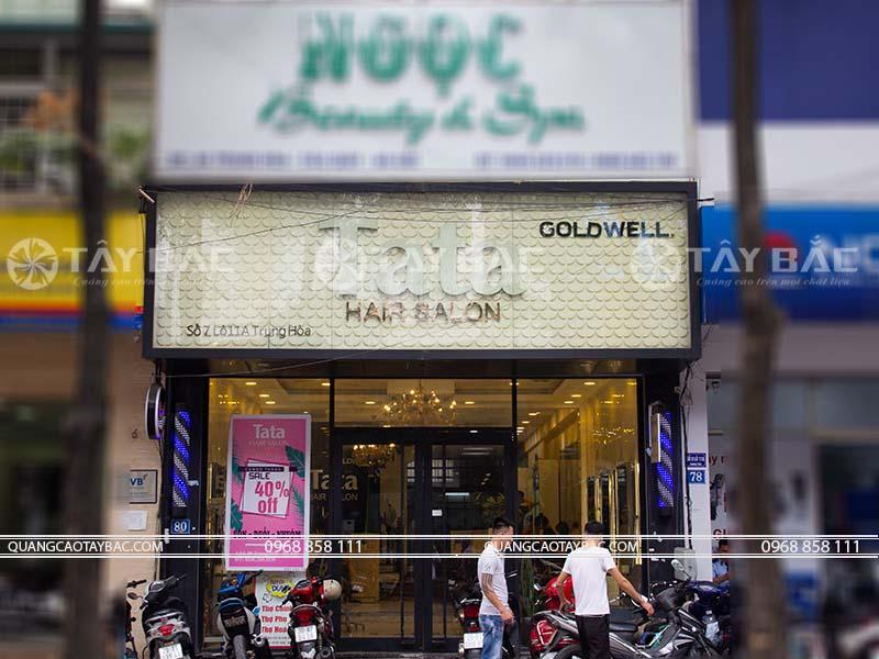 Biển quảng cáo salon tóc Tata