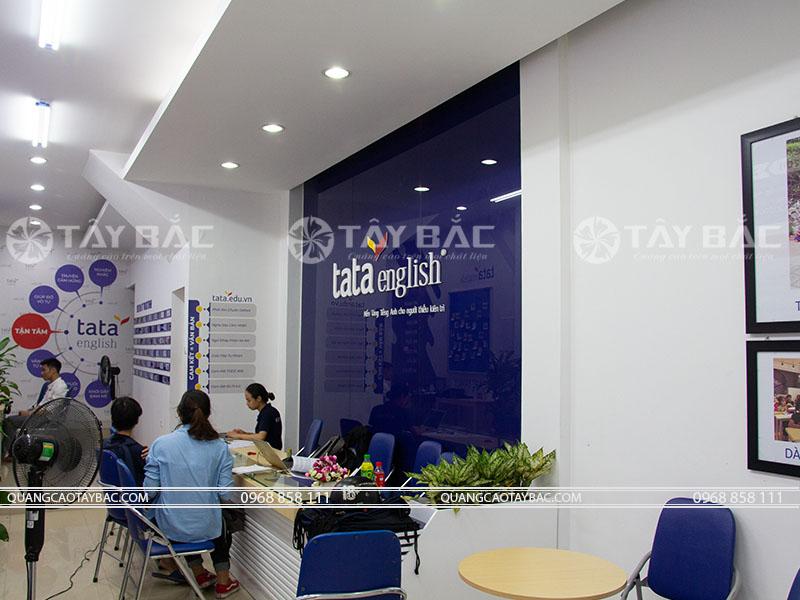 backdrop biển trung tâm tiếng anh Tata