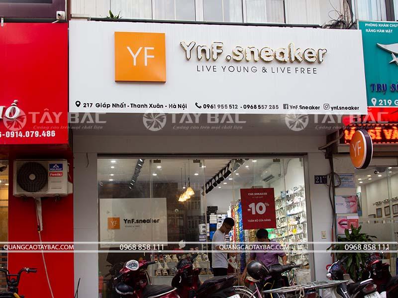 biển quảng cáo shop giầy YNF