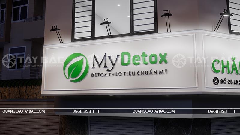 logo trung tâm sử dụng chất liệu Mica gắn đế fomex