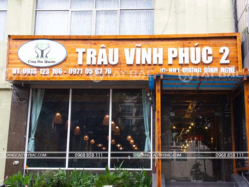 Biển quảng cáo gỗ nhà hàng Trâu Vĩnh Phúc