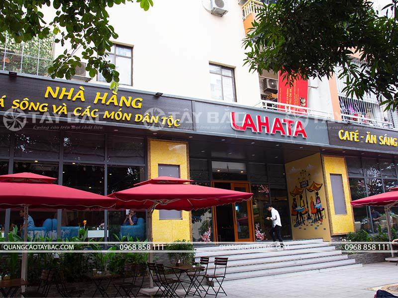 Biển mặt tiền nhà hàng Lahata