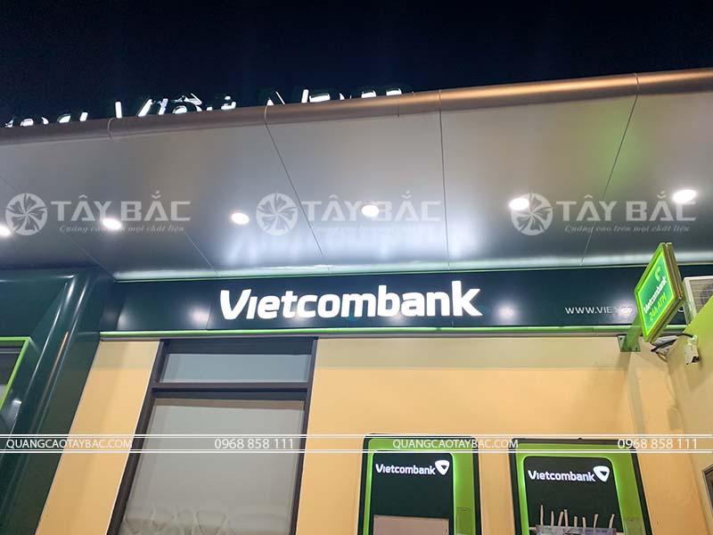 thi công biển quảng cáo ngân hàng Vietcombank