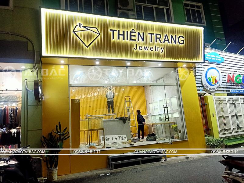 thi công biển hiệu trang sức Thiên Trang